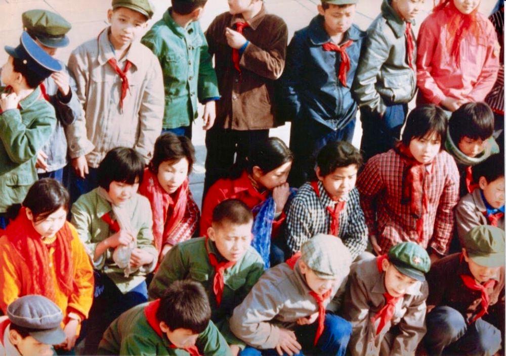 beijing red scarf kids