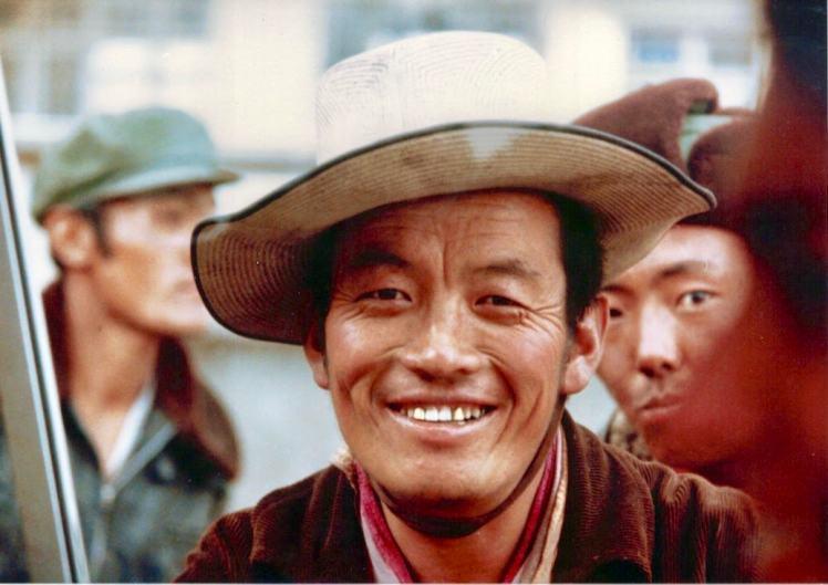 tibet guy teeth