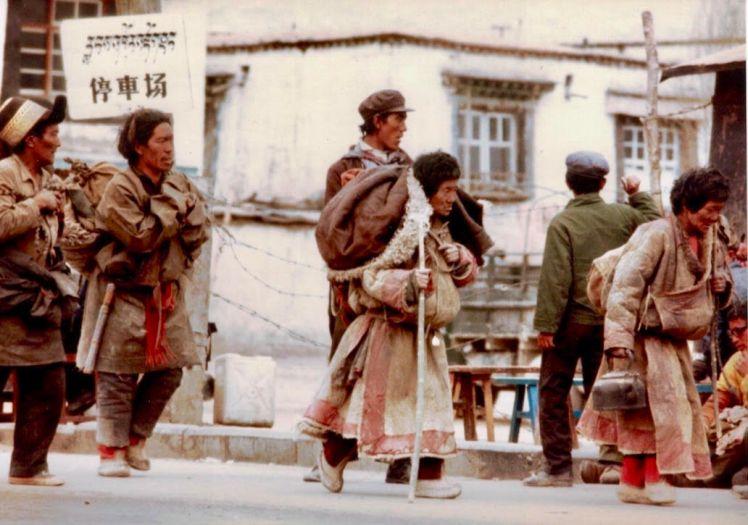 tibetan marchers